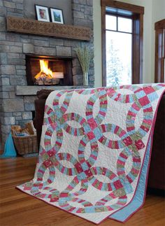 Double wedding ring quilt by Linda Smoker featured in Quilt magazine