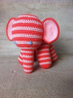 Hæklet elefant lille - lyserød/fersken - www.wolter.dk/marianne
