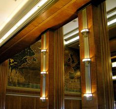 Example of uplighting on columns. Ss Normandie, Homes England, French Crafts, Nautical Interior, Train Posters, Long Beach California, Deco Interiors, Streamline Moderne, Art Deco Home