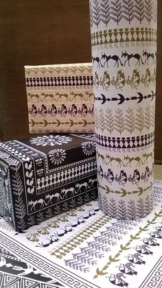 Customized Wrapping Paper // Warli Art on Behance (Bottle Painting Indian) Worli Painting, Bottle Painting, Pottery Painting, Bottle Art, Fabric Painting, Madhubani Art, Madhubani Painting, Traditional Paintings, Traditional Art