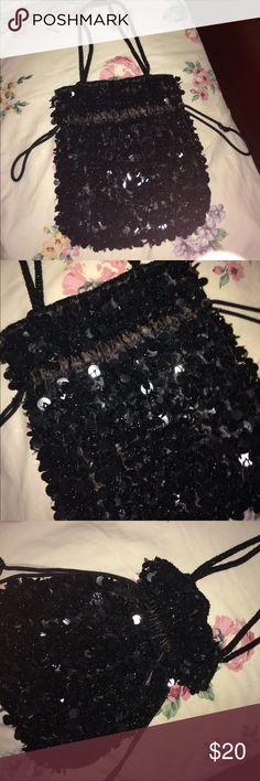 Very cute handbag Really dazzling bag. Bags