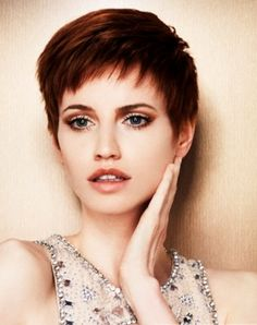 Lovely Short Pixie Hair Style 2014