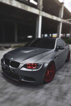♂ Grey car BMW Frozen Grey with red wheels. Nice and cool cars. BMW is one of several well-known car brands that have managed to create good and cool cars in the world. Maserati, Bugatti, Ferrari, Lamborghini Cars, Best Luxury Sports Car, Cool Sports Cars, Sport Cars, Luxury Cars, Nice Cars