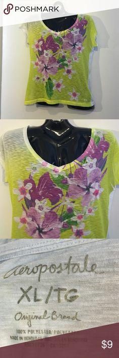 NWOT Aeropostale flower tee XL Short sleeve v-neck flowered tee XL Aeropostale Tops Tees - Short Sleeve