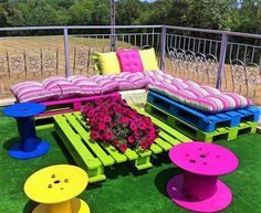 creative-beautiful-outdoor-pallet-furniture-projects-diy-ideas