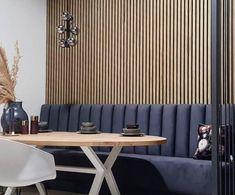 Wandpanelen met houten latjes in walnoot kleur van I-wood uit Denemarken voor Lijn M in Nederland Wood Slat Wall, Wooden Panelling, Wooden Wall Panels, Wood Slats, Wooden Walls, Room Deviders, Banquet Seating, Acoustic Panels, Interior Inspiration