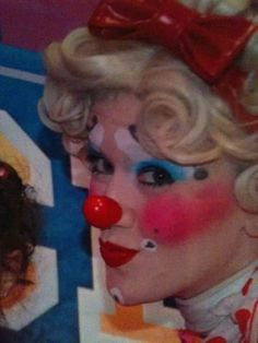 Clown Pics, Female Clown, Clowns, Ronald Mcdonald, Lady, Girls, Fictional Characters, Little Girls, Daughters