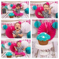 Hoera, dit mooie prinsesje wordt bijna 1 jaar! #cakesmash #studio #alphenaandenrijn http://blogs.christelahles.com/?p=62