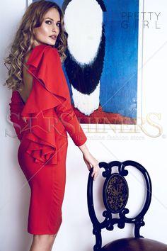 PrettyGirl Portrait Red Dress