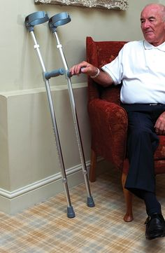 Lightweight and durable with double height adjustments, these aluminium crutches provide support to the elbow area to help you get around.