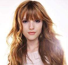 You should be serious at least once in your life time Bella Thorne And Zendaya, Cute Ginger, Bella Throne, Ginger Girls, Celebs, Celebrities, Miley Cyrus, Pretty Hairstyles, Beautiful Actresses