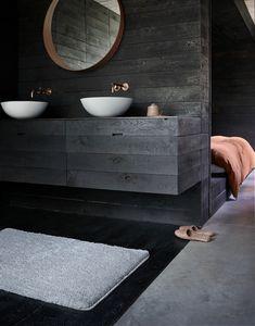 Die Florhöhe von 20mm macht Joris für Deine Füße besonders anschmiegsam und weich. Seine Anti-Rutsch-Beschichtung sorgt dafür, dass Du jederzeit einen festen und sicheren Stand hast. Weich, warm und gemütlich umspielt Joris Deine Füße und sorgt für angenehme Bad-Momente. Lass Dich von Joris verzaubern und verwandele Dein Bad in eine Wohlfühloase. Die tolle Verarbeitung, die ausgesuchten Materialien & die hohe Qualität werden Dich begeistern. Selbstverständlich Ökotex Standard 100… Architecture Design Concept, Concept Models Architecture, Plans Architecture, New Modern House, Modern House Design, Design Presentation, Goth Home, Just Dream, Interior Design Kitchen