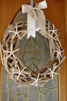 Nice muse for a Lake Michigan driftwood wreath. Driftwood and Starfish Wreath Coastal by ByTheSeashoreDecor