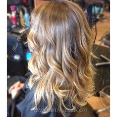 Balayage colormelt for blondes. Balayage in Denver.  #Balayage #colormelt #balayagesombre #Sombre #hair #hairlove #longhair #blondehair #highlights #denver #denverbalayage #denvergirl #denverart #denverhairstylist #loreal #lorealprofessionnel #modernsalon #303magazine #behindthechair #hairbynatalia #beachwaves
