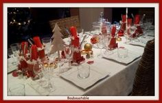 Te compartimos 9 Ideas para que tu comedor luzca hermoso en tu cena navideña. Santa Margarita, Table Settings, Table Decorations, Furniture, Ideas, Home Decor, Christmas Dinners, Decorative Accents, Dining Room