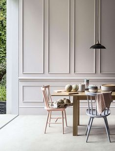 """""""Boiserie"""" means wooden panels applied to walls. Don't think of Versailles: boiserie today is no more too classic, it's a real new stylish trend! Ok Design, Wall Design, House Design, Design Trends, Design Ideas, Ideas Hogar, Wall Molding, Classic Interior, Interior Modern"""
