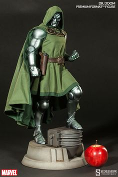 Formato Marvel Dr. Doom Alta Calidad (TM) figura por Sideshow Colle | Sideshow Collectibles