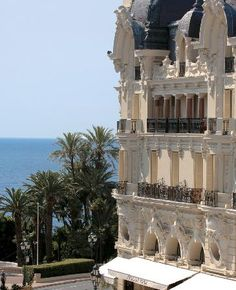 Hotel de Paris, Monaco - Always wanted to go to Monaco. Monte Carlo Monaco, The Places Youll Go, Places To See, Cannes, Leading Hotels, Ville France, Belle Villa, Wanderlust, Hotels And Resorts