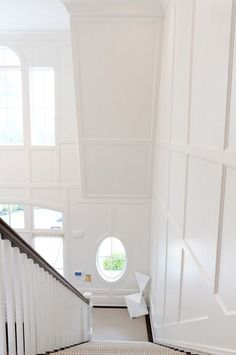 Simple and modern crown molding (1950s style molding ...