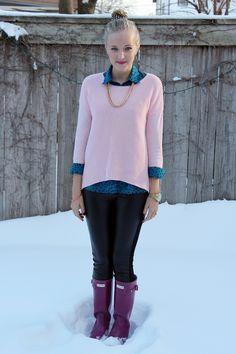 pink-sweater-blue-polka-dot-button-up-black-leather-leggings-violet-purple-hunter-boots-top-knot-5.jpg 590×885 pixels