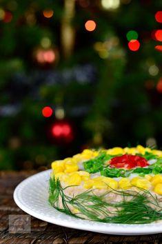 Salata festiva cu ton si porumb - CAIETUL CU RETETE Romania, Recipes, Food, Meals, Yemek, Recipies, Recipe, Eten
