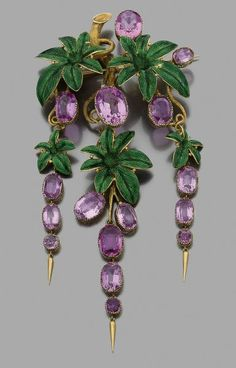 Gold pin articulated important 18k yellow carved decorated with green enamel leaves and set with pink tourmaline pendants. 1830  Height: 14.5 cm approx.  Gross Weight: 56.