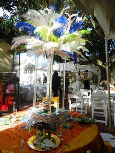 centro de mesa ideal para fiesta de carnaval de XV años