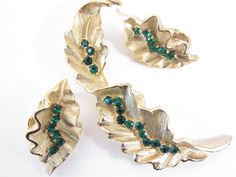 Signed Crown Trifari Green Rhinestone Brooch and Earrings Vintage Jewelry Set by darsjewelrybox on Etsy