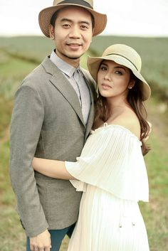 A Vintage-Inspired Outdoor Engagement Shoot in South Cotabato Wedding Blog, Wedding Ideas, Bride And Breakfast, Love Photography, Engagement Shoots, Philippines, Vintage Inspired, Rv, Romantic