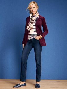 Shop Talbots for modern classic women's styles. You'll be a standout in our Classic Corduroy Jacket - only at Talbots! Classic Style Women, Classic Outfits, Blazer Outfits, Fall Outfits, Jean Outfits, Jeans Azul, Blazers, Looks Jeans, Outfits