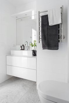 Inspiration and Ideas from Maison Valentina - Marble Ideen Bathroom Toilets, Laundry In Bathroom, Bathroom Inspo, Bathroom Renos, White Bathroom, Bathroom Storage, Bathroom Inspiration, Bathroom Interior, Modern Bathroom