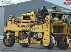 Hyster straddle truck Owned by Ray and Lynn O'Halloran.