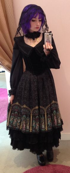 OP, veil, shoes: Alice and the Pirates Bustier: Victorian Maiden Underskirt: Black Peace Now Choker: h.Naoto