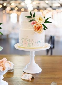 pretty watercolor wedding cake | Ben Q Photography