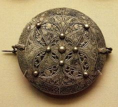 9c silver disc brooch, late Anglo-Saxon. British Museum