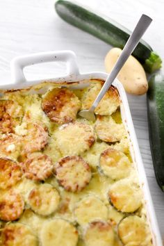 Zucchini dauber: Przepis na cukinię dauphinois - Marmiton - Emanuel Batch Cooking, Cooking Recipes, Cooking Tips, Zucchini, Vegetarian Recipes, Healthy Recipes, Tofu Recipes, Good Food, Yummy Food