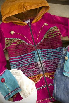 Embody the spirit of transformation with our colorful butterfly jacket. With a cheerful design and handy lightweight warmth, it's almost like getting a hug from a summer afternoon.