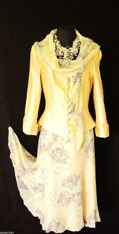 Designer Wedding Outfit Size 8 10 Cream Gold Skirt and Jacket Suit Women Ladies Mother Of The Bride Trouser Suits, Mother Of The Bride Gown, Lace Dress Styles, Floral Lace Dress, Plus Size Retro Dresses, Dress Outfits, Fashion Dresses, Mob Dresses, Bride Dresses