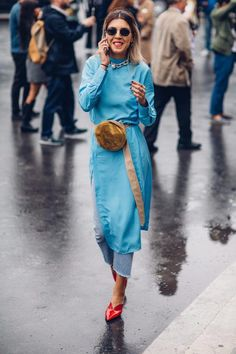 Power Suits Took Over the Street Style Crowd At Paris Fashion Week - Fashionista Street Style Trends, Spring Street Style, Street Style Looks, Cool Street Fashion, Look Fashion, Trendy Fashion, Korean Fashion, Fashion Trends, Fashion Pants