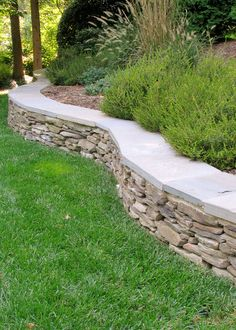 Retaining wall - Landscaping and Hardscaping