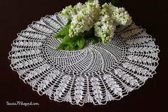 Doily crochet, Anchor Aida 20, Color: white, diameter 38 cm