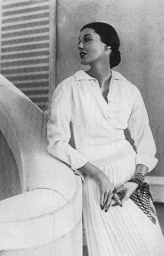 Harper's Bazaar 1950 Photo by Louise Dahl Wolfe