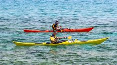 Choosing a fishing kayak for beginners may not seem as simple as it sounds. Read our list of five kayaks for beginners, and make an intelligent step to find the best fishing kayak. Sit On Kayak, Canoe And Kayak, Sea Kayak, Canoa Kayak, Kayak For Beginners, Best Fishing Kayak, Marco Island Florida, Recreational Kayak, Ocean Activities