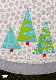 Christmas tablecloth by Joanna | Shape Moth.  Based on the paper piecing pattern by Julianna Gąsiorowska