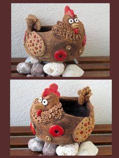 Fotogalerie :: Keramika DagmarRa Clay Pot Crafts, Polymer Clay Crafts, Diy And Crafts, Ceramic Animals, Clay Animals, Ceramic Chicken, Pottery Studio, Egg Decorating, Air Dry Clay