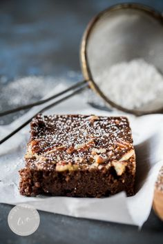 Sugar Free Pecan Brownies | A super chocolate-y sugar free brownie | www.wildeorchard.co.uk
