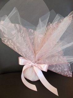 Τούλινη με λεπτομέριες δαντέλας. :: Ολοκληρωμένες προτάσεις γάμου, βάπτισης και διακόσμησης :: All White::.