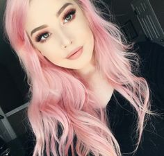 Bored with your hair color? So are we…why not try the pastel hair trend popping up in your Instagram feed. - See more at: http://www.quinceanera.com/hair-styles/rock-pastel-hair-for-your-quinceanera/#sthash.DYNoAtSP.dpuf