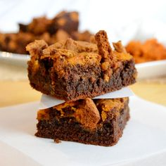 Chocolate pumpkin brownies topped with a ginger snap crumble.