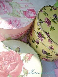 florals... Love hat boxes